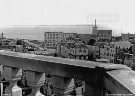 Uitzicht over Vlissingen met veerboot