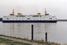 De veerhaven van Perkpolder (soms ook wel Perkpolderhaven) genoemd werd in 1940 geopend ter vervanging van de aanlegplaats Walsoorden.