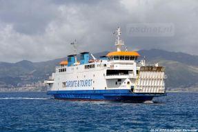 De Acciarello meert bijna af in Messina, Sicilië.