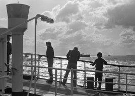 Passagiers aan boord van een van de Prinsessenboten van de PSD; de Beatrix, Irene en Margriet.