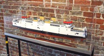 Scheepsmodel van de PSD-veerboot Prins Johan Friso, zoals is laten vervaardigen door de scheepswerf.