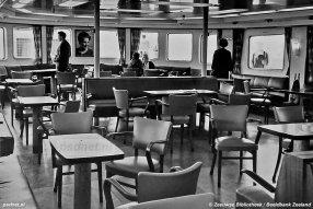 De salon van de Margriet was de laatste met losse stoelen. Latere PSD-boten werden uitgerust met vaste stoelen en banken.