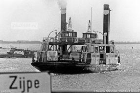 Voor 1972 heeft de Zijpe gevaren als stoomveerboot, daarna werd het schip verbouwd en kreeg het een dieselmotor.