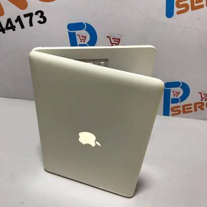 Apple MacBook Unibody Laptop – 4GB Ram – 250HDD – Recent MAC Os