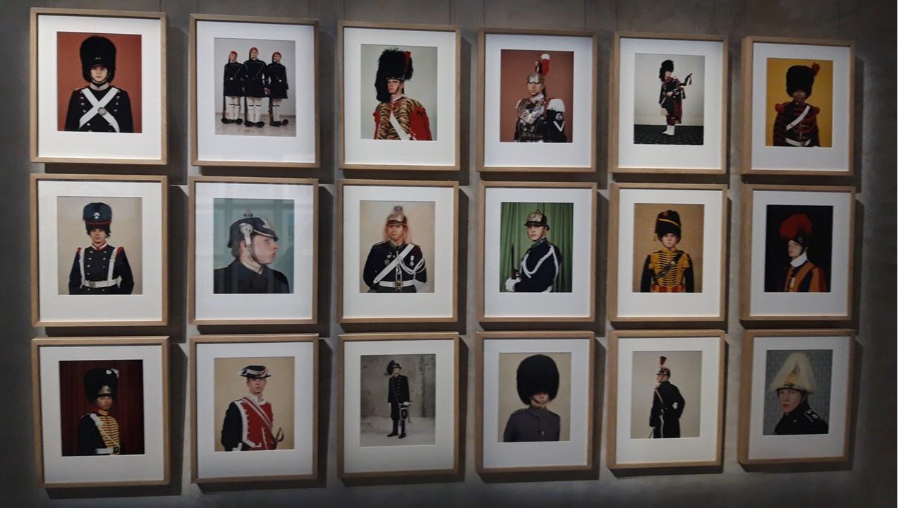 Divise e uniformi. Tra conformismo e individualità