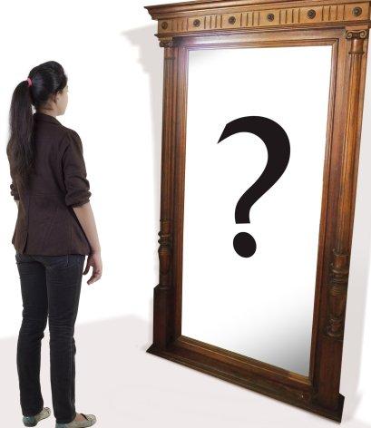 Una dona es pregunta qui és - Psicologia Flexible