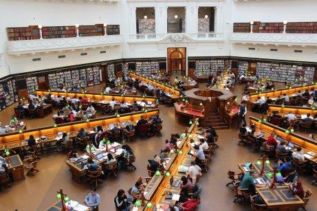 Una biblioteca universitaria