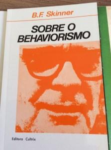 Livro Sobre o behaviorismo, de Skinner
