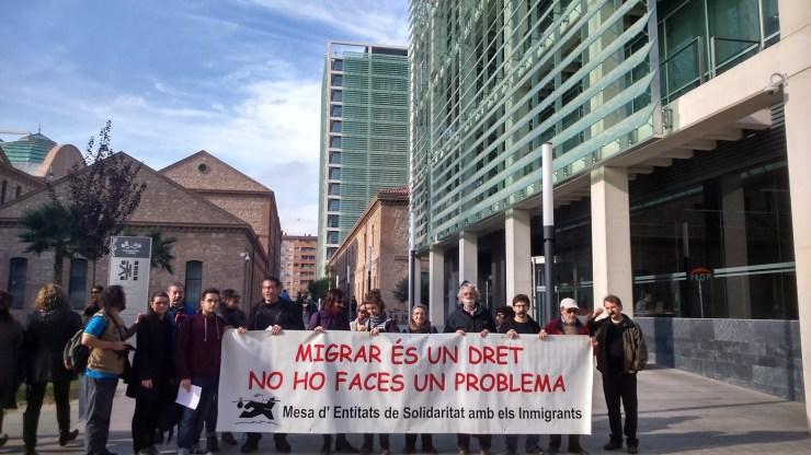 Migrar és un dret, no ho faces un problema