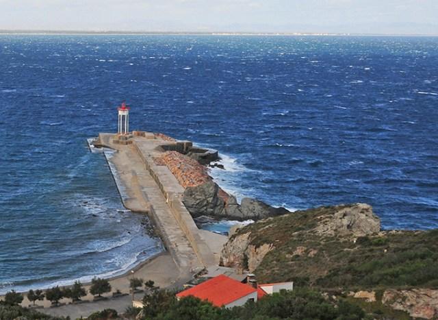 La digue de Port Vendres