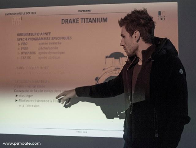 Guillaume Nery en pleine explication sur la Cressi Drake