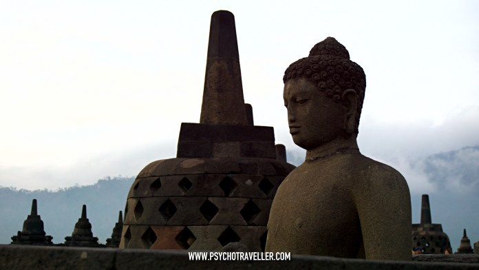 boroburdur temple indonesia