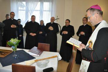 Poświęcenie nowej plebanii przezKs.Biskupa Stanisława Salaterskiego