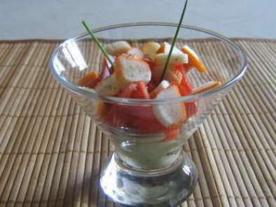 verrine tomates surimi sur son lit de creme d avocat
