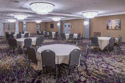 DoubleTree Hotel | Utica, NY 4