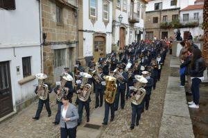 Banda em desfile| Foto: Direitos Reservados