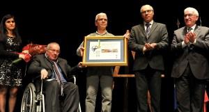 O prémio foi entregue por Francisco Lopes | Foto: Direitos Reservados