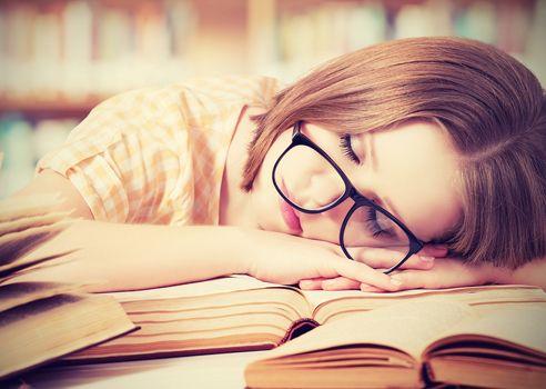 how much sleep do writers need