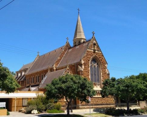 https://i1.wp.com/www.publicdomainpictures.net/pictures/320000/velka/church-building-1576232340ZeQ.jpg?resize=484%2C386&ssl=1