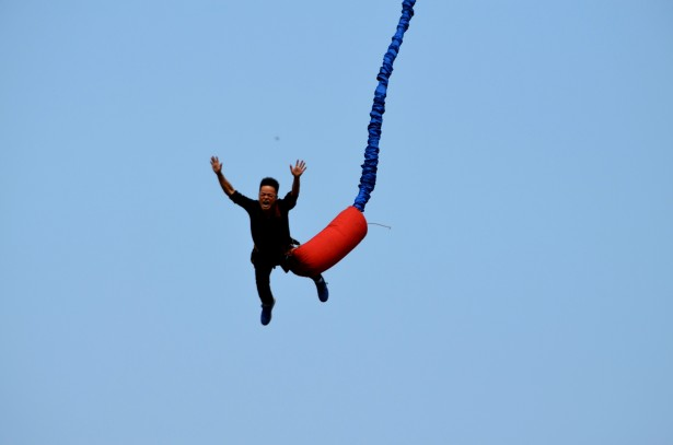 Bungee Jumping (a)