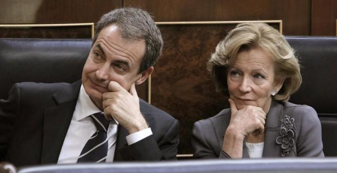 José Luis Rodríguez Zapatero y Elena Salgado, en el banco azul del Congreso, en una foto de archivo. EFE