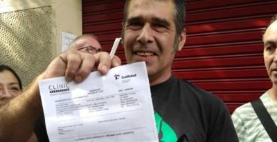 Los vecinos de Entença denuncias un desalojo ilegal de cuatro familias.