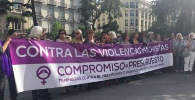 Concentración feminista ante el Congreso. EUROPA PRESS