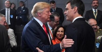 El presidente del Gobierno español, Pedro Sánchez, junto a su homólogo estadounidense, Donald Trump, en la cumbre de la OTAN. / AFP - EMMANUEL DUNAND
