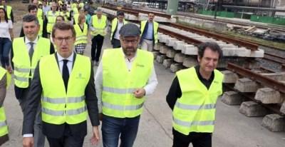 Feijóo durante la visita a las obras de la estación intermodal de Santiago de Compostela   EFE/Xoan Rey