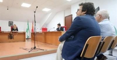El alcalde de Cádiz, José María González 'Kichi', en el Juzgado. EUROPA PRESS/Archivo