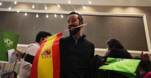 El presidente de Vox, Santiago Abascal, tras conocer los resultados en las elecciones andaluzas, en Sevilla. EFE/Rafa Alcaide