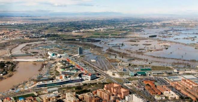 Imagen de la zona oeste de Zaragoza durante la riada de febrero y marzo del año pasado, entre cinco y seis veces menor que la que el estudio pronostica en caso de colapsar Yesa. Chebro.es