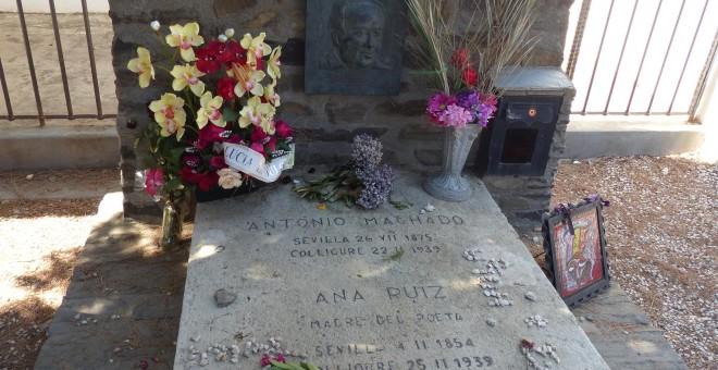 Tumba de Antonio Machado y su madre
