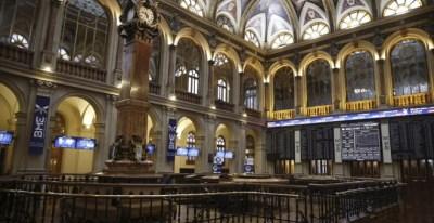 El patio de negociación de la Bolsa de Madrid. EFE/Paco Campos