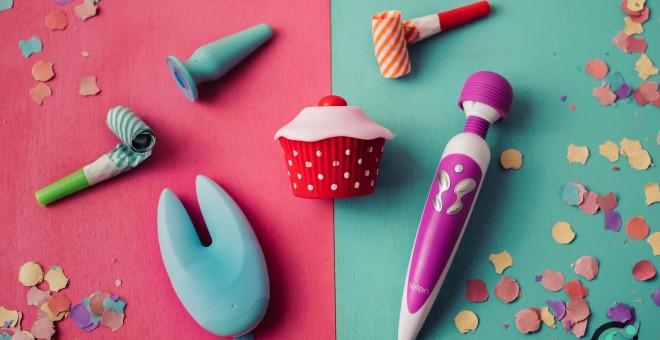 Imagen de un lote de juguetes eróticos para veganos. Javier Gamonal.