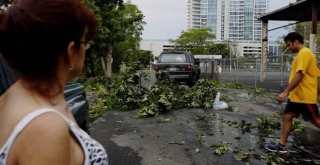 Vista de destrozos en el barrio de Santurce tras el paso del huracán Irma en San Juan (Puerto Rico). EFE/Thais Llorca