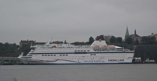 Supuestamente, el joven se suicidó lanzándose de uno de los ferries que hacen la línea a Finlandia.
