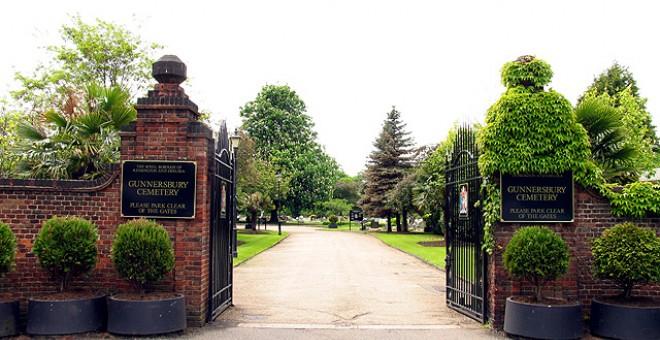 En este cementerio británico, Gunnesbuy, yace Santamaria, de acuerdo a sus deseos de ser enterrado en Londres