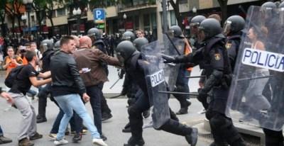 Cargas policiales durante el 1-O. EFE