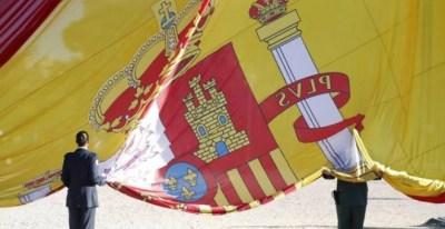 Homenaje a la bandera española.- EFE
