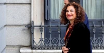 07/01/2020.- La ministra de Hacienda en funciones, María Jesús Montero, a su llegada este martes al Congreso de los Diputados. / EFE - CHEMA MOYA