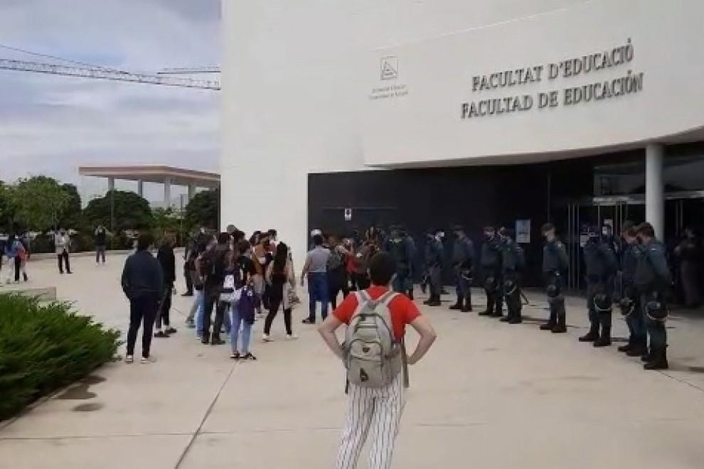 Manifestación en la Universidad de Alicante.