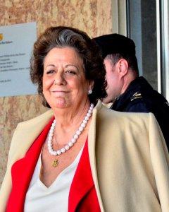 Rita Barberá, el pasado 12 de abril, a su salida de la Audiencia de Palma tras prestar declaración en el juicio de Nóos. / EFE