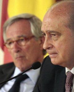 El alcalde de Barcelona, Xavier Trias, y el ministro del Interior, Jorge Fernández Díaz, en una imagen de junio de 2014. /LV