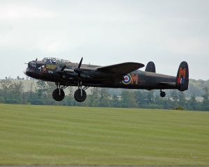 Avro_Lancaster_B_I_PA474_1