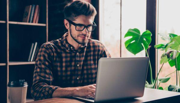 Cómo ganar dinero escribiendo artículos desde casa