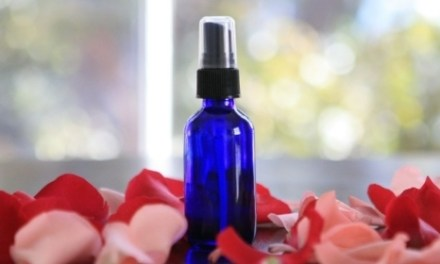 DIY HYDRATING ROSE FACE MIST