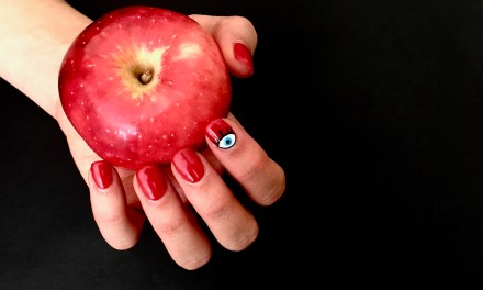 6 RED NAIL POLISH COLORS TO BRIGHTEN YOUR FALL