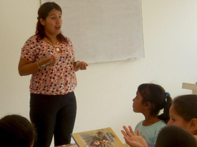 Lehrerin Roxana