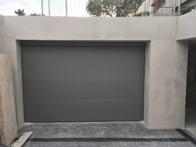 Puertas seccionales residenciales